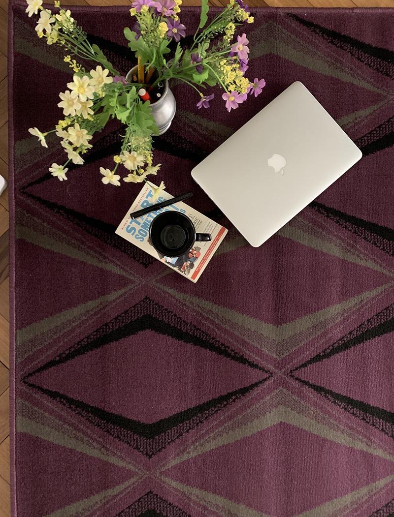 Shiraz violeta chica